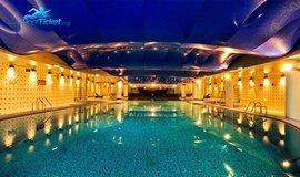 زیباترین استخر هتل پردیسان - خرید بلیط از پول تیکت