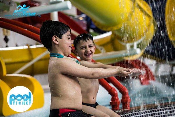 بازی کودکان در پارک آبی کوثر - پول تیکت