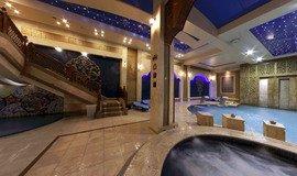 نمایی زیبا از استخر هتل درویشی مشهد- خرید اینترنتی بلیت استخر