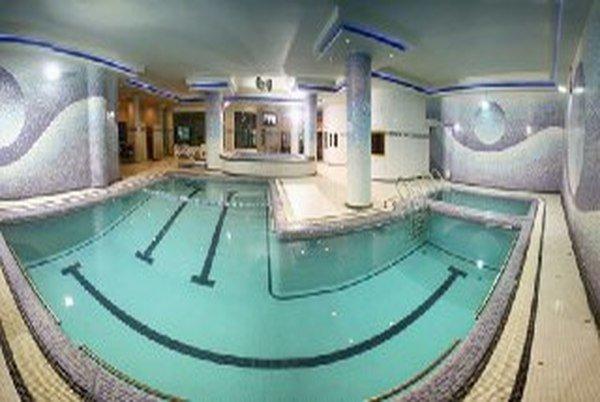 استخر هتل آساره تهران