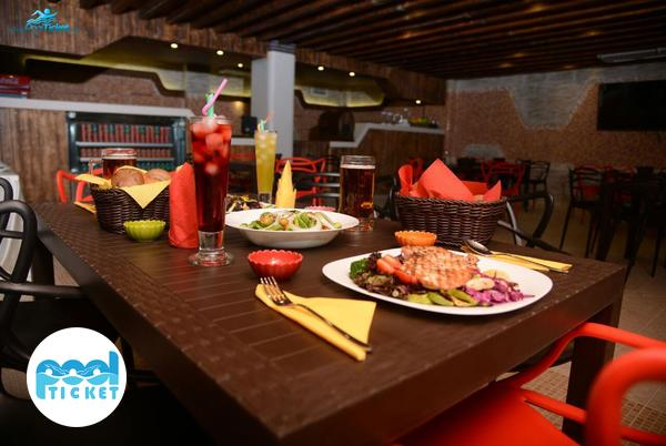 رستوران استخر مرکز تجارت جهانی فردوسی