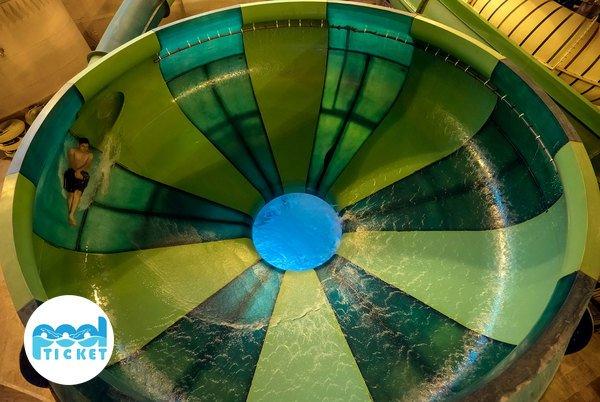 چاله فضایی سرزمین موج های آبی-خرید بلیت